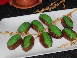 comment faire de la pate de datte dattes fourrées à la pate d amande maison gateau algérien