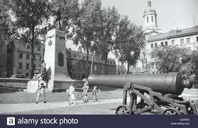 100 Louis Hebert Le Monument De A Quebec En 1941 Stock Photo
