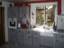 repeindre des meubles de cuisine en bois meuble cuisine taupe cheap cuisine repeinte en noir u lombards with