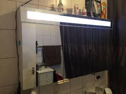 badezimmerschrank mit viel stauraum led