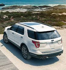 Ford Explorer Captains Chairs Second Row by 2017 Ford Explorer Suv Photos Videos Colors U0026 360 Views