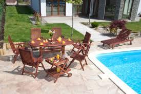 Top 2 Popular Flooring Options for Your Outdoor Patio