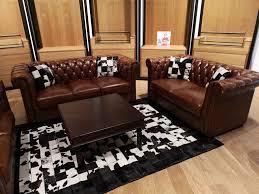 chesty lounge tisch