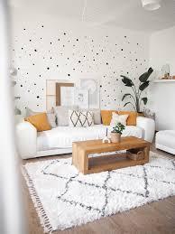 wandgestaltung punkte wand wohnzimmer altbau s