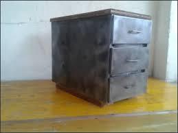 bureau industriel metal caisson bureau metal simple caisson de bureau avec tiroirs liko