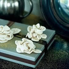 coup de pates rousset fleurs roses en pâte à sel