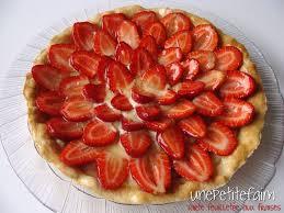 tarte aux fraises pate feuilletee tarte feuilletée aux fraises une faim