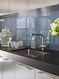 küchenrückwand aus glas so sieht der moderne