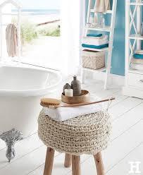 der hocker sinan bringt natürlichkeit in ihr badezimmer