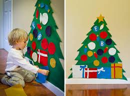 VIEW IN GALLERY How To DIY Kids Play Felt Christmas Tree Wonderful Crafts