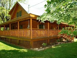 4 Bedroom Cabins In Pigeon Forge by Pigeon Forge Cabin Near Downtown 3br Trouth Vrbo