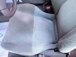 tache siege voiture comment enlever une tache sur un siège de voiture glossingcar