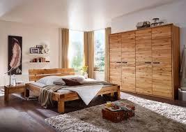 schlafzimmer wyk aus massiver wildeiche mit schrank balkenbett und nachtkommoden
