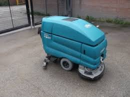 Tennant Floor Scrubbers 5680 by Used Industrial Floor Cleaning Machines U0026 Equipment Cleanhire