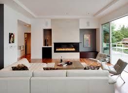kleines wohnzimmer großes sofa leder wohnlandschaft kamin