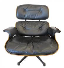 Rosewood Lounge Chair By Charles & Ray Eames, 1960s Brown Leather Eames 670 Rosewood Lounge Chair 2 Home Brazilian Sold 1970s Herman Miller Ottoman Details About Rare 1960s Lcm Mid Century Modern Classic Emes Style And 100 Top Genuine Black 60s Italian White In Early Special Order Green