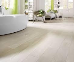laminat fürs bad wasserfestes laminat im badezimmer verlegen