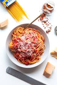 pates a l amatriciana classic spaghetti all amatriciana recette recette pâtes