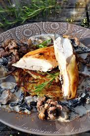 cuisiner le chapon chapon farci aux chignons forestiers et galettes de pommes de