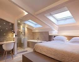chambres sous combles chambre sous combles aux couleurs naturelles déco cocon attic