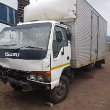 ISUZU NPR 300 TRUCK -STRIPPING 4 SPARES - 4HF1 ENGINE - 5 SP GEAR ...