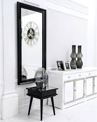 klassischer designer spiegel wohnzimmer anrichte dielen holz rahmen landhaus