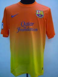 fc barcelone le maillot extérieur orange se précise