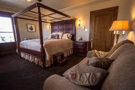 The Firelight Inn on Oregon Creek Bed & Breakfast in Duluth