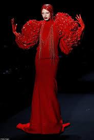 hu shegang u0027s chinese fashion week show saw models clutching