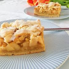 köstlicher apfelmus crumble kuchen