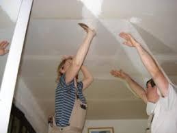 poser fibre de verre plafond rénovation des plafonds choisissez la toile de verre pour plafond