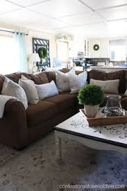 Brown Furniture Living Room Ideas by Decorating With A Brown Sofa Decorating Brown And Living Rooms