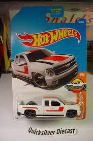 100 Chevy Silverado Toy Truck Hot Wheels White 2017 60 BP Hot Wheels
