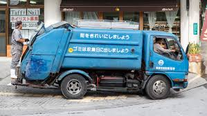 File:Naha Okinawa Japan Garbage-truck-01.jpg - Wikimedia Commons