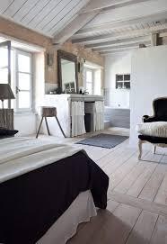 chambre avec salle de bain pour ou contre la salle de bain ouverte sur la chambre