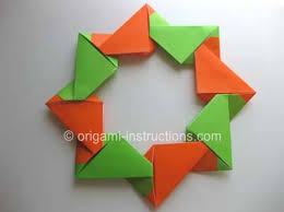 From Summer In Richlands Origami Modular Wreath