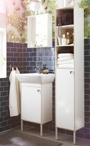 Narrow Bathroom Floor Storage by 289 Best Bathrooms Images On Pinterest Bathroom Ideas Bathroom
