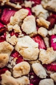 veganer rhabarber joghurt kuchen mit streuseln glutenfrei