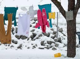 kaum zu glauben wäsche trocknet im winter im freien am