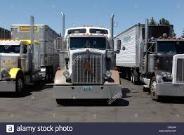 Parking Parked Semi Trucks Cheyenne Wyoming Transportation Trucking ...