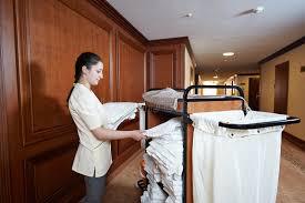 femme de chambre femme de chambre à l hôtel image stock image du fille 46592577