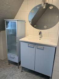 komplettes ikea badezimmer badschrank waschbecken mit armatur