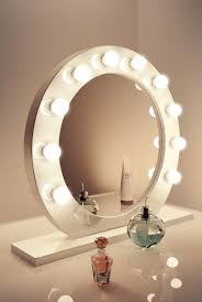 Makeup Desk With Lights Uk by The 25 Best Lighted Makeup Mirror Ideas On Pinterest Diy Makeup