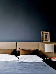 Masculine Bedroom Colors by Best 25 Masculine Bedrooms Ideas On Pinterest Masculine Home