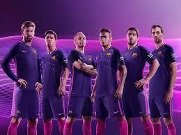 le fc barcelone presente nouveau maillot exterieur saison 2016