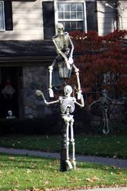 Halloween Yard Decor Decorations I Would Rather Show These Off As Climbing The Walls