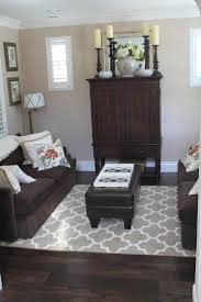 Decorating With Chocolate Brown Couches by Best 25 Dark Couch Ideas On Pinterest Brown Couch Pillows
