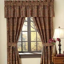 interior window drapes and curtains