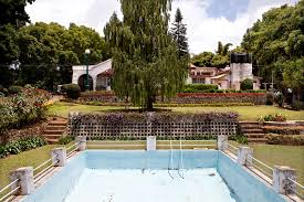 Coonor India Colonial English Swimming Pool Now Owned By An Family