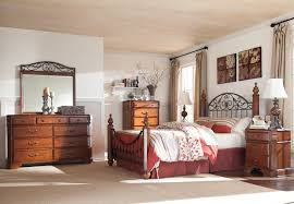 Signature Design by Ashley Wyatt King Bedroom Group AHFA